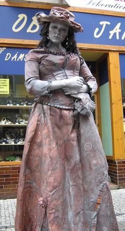 Živá socha v Krupské